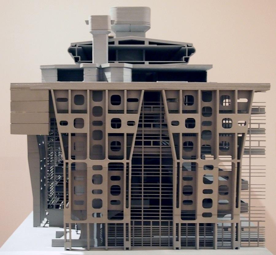 Clorindo Testa, Banco de Londres, tecnne